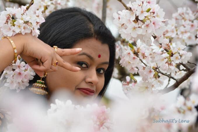 © 2016 Subhajit Sen. Depicting a specific 'mudra' (posture) from Indian dance form Bharatnatyam.